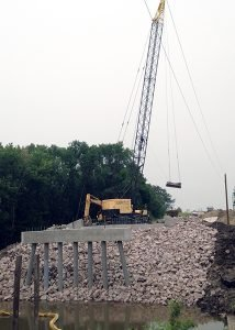 Bridge construction, 50 ton Lorain